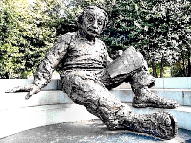 Einstein  Statue at National Academy of Science Grounds